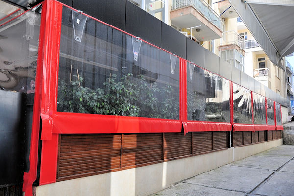 İzmir şeffaf store